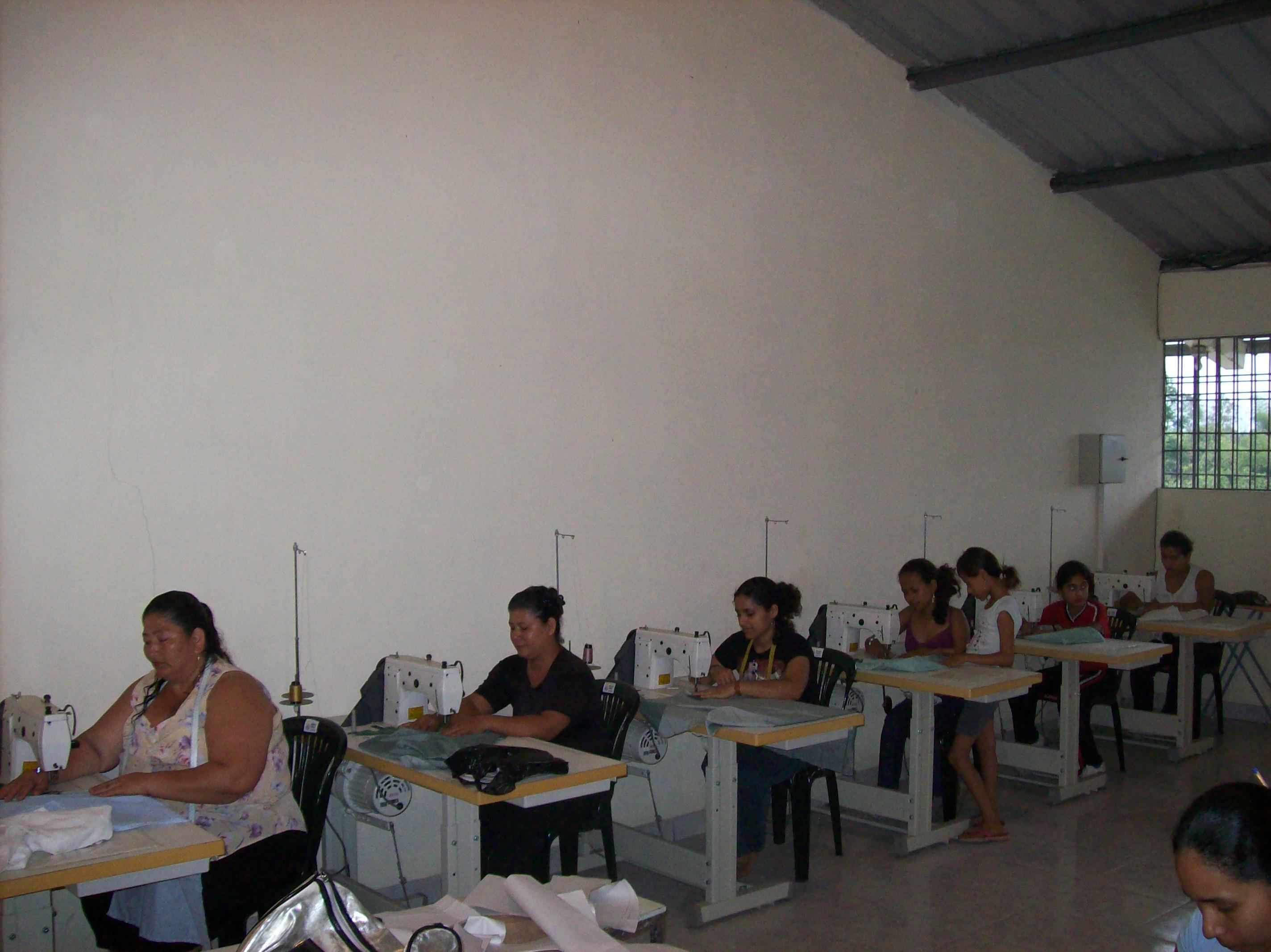 laboratorio di cucito